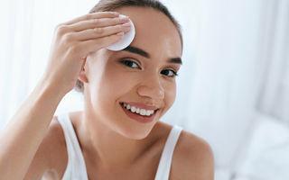 6 soluții naturale pentru curățarea tenului