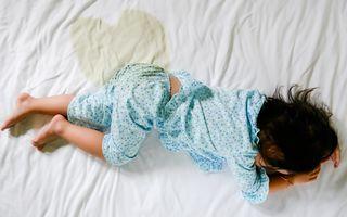 Cum să-ți ajuți copilul să nu mai facă pipi în pat. 6 sfaturi utile