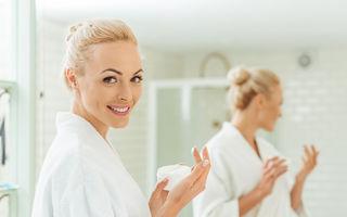 Ce produse cosmetice folosesc femeile care par mult mai tinere decât sunt