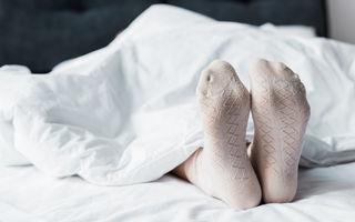 Postarea virală a unui medic: De ce ar trebui să dormi cu șosete în picioare