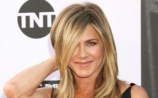 Hairstylistul lui Jennifer Aniston dezvăluie rutina ei de îngrijire a părului