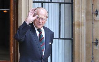 Prințul Philip, o viață dedicată Reginei: 35 imagini din trecutul său