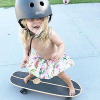 Prințesa zburatoare: Fetița de 6 ani care a cucerit lumea cu placa de skateboard - VIDEO