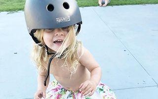 """""""Prințesa zburătoare"""": Fetița de 6 ani care a cucerit lumea cu placa de skateboard - VIDEO"""