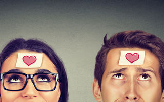 Ce simți versus ce gândești atunci când te îndrăgostești, în funcție de zodia ta