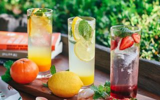 Limonada fresh, de vară, cu proprietăți vindecătoare pentru durerile menstruale