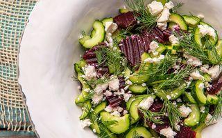Salată de castravete cu sfeclă coaptă