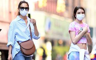 Katie Holmes și Suri Cruise par mai mult surori decât mamă și fiică: Ce ținute au ales pentru o plimbare în New York
