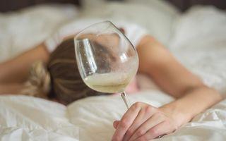 5 semne că ai alergie la alcool