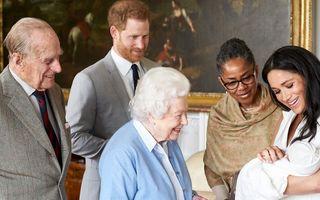 De ce cred specialiștii că Regina Elisabeta este nemulțumită de numele ales de Meghan și Harry pentru fiica lor