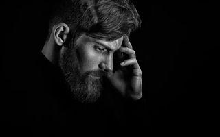 5 lucruri despre care bărbații nu vorbesc nici dacă-i pici cu ceară, dar vor ca femeile să le știe
