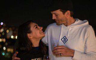 Mila Kunis și Ashton Kutcher, doi părinți netradiționali: Le fac baie copiilor doar dacă se vede că sunt murdari