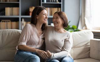 Ia-ți grija de pe piept. Programează-te la un screening mamar pe tine și prietena ta!